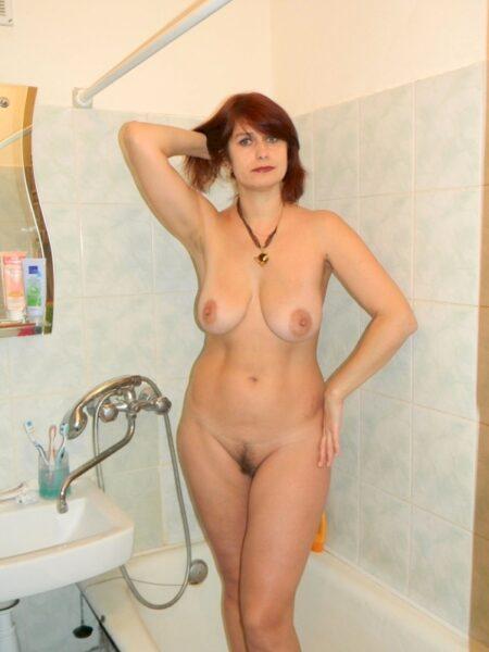 Femme cougar sexy soumise pour homme expérimenté
