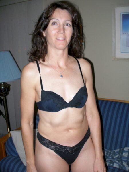 Femme mature coquine vraiment très sexy cherche un homme impudique