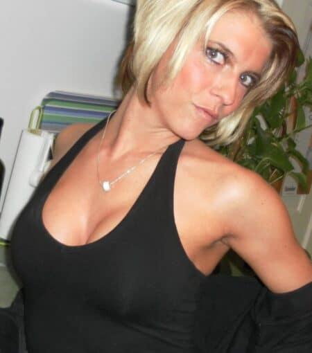 Femme sexy très romantique recherche un gars respectable