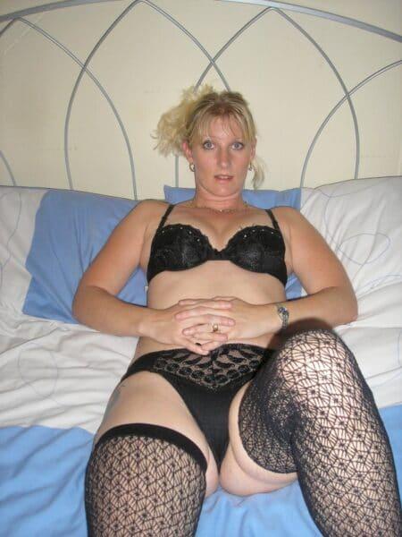Pour une nuit de sexe avec une femme infidèle sexy