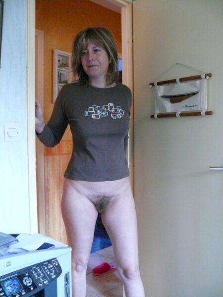 Très jolie femme infidèle sexy qui est intéressée par un plan baise