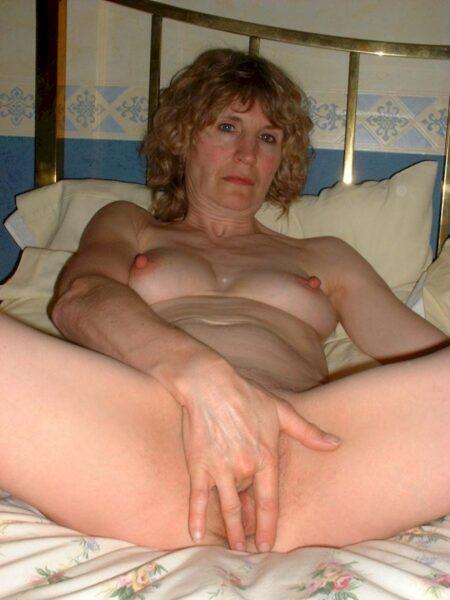 Une femme mature coquine de Clermont-Ferrand pour de la rencontre chaude